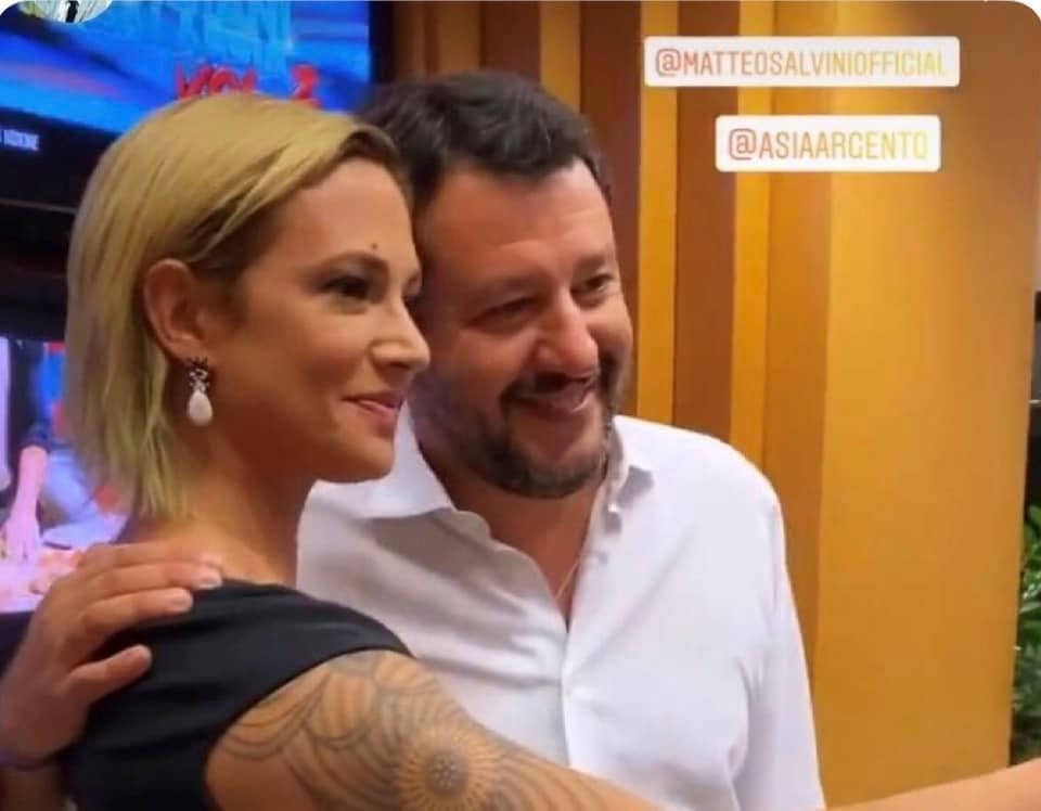 Matteo Salvini : incontra lo spettacolo