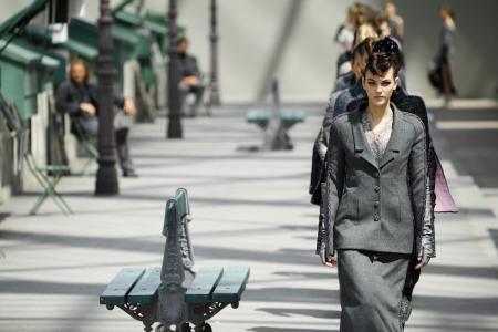 """<h5><strong><span style=""""color: #c6a664;"""">AGENZIE MODA</span></strong></h5> Un elenco completo delle migliori agenzie moda in Italia al vostro servizio per offrirvi sempre e solo il miglior supporto che potrete trovare. Che  Voi siate di;  Milano, Roma, Firenze, Torino non fa nessuna differenza,  perchè  troverete con noi la vostra soluzione. <strong><span style=""""color: #c6a664;""""> Scopri Tutto »</span></strong>"""